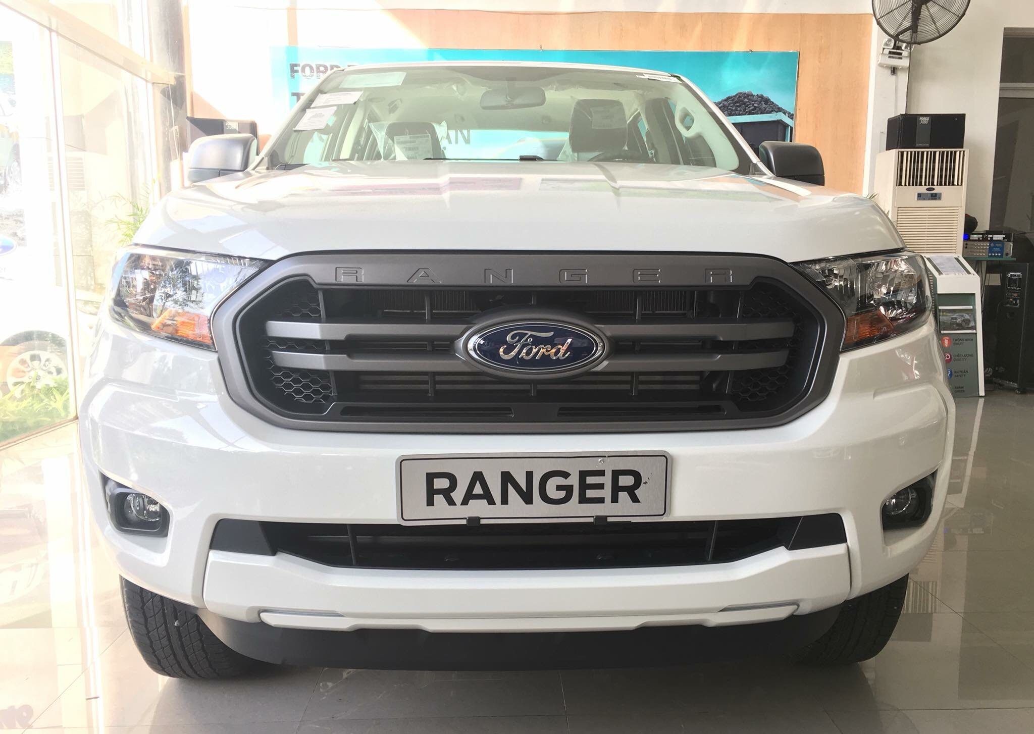 danh-gia-xe-ford-ranger-xl-2-2l-4x2mt-2019-2020-muaxegiatot-vn
