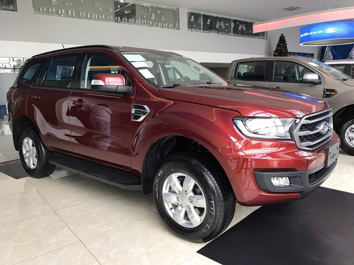 hong-xe-ford-everest-ambiente-at-2019-muaxegiatot-vn-3