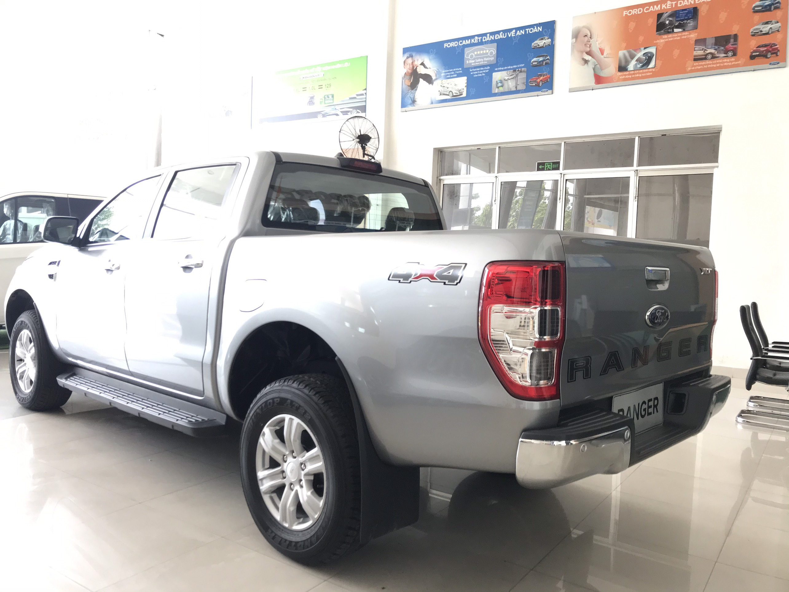 can-sau-ford-ranger-xlt-4-4-mt-2019-2020-so-san-2-cau-muaxegiatot-vn-11