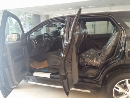 Ford Everest 2.2L 4×2 Titanium