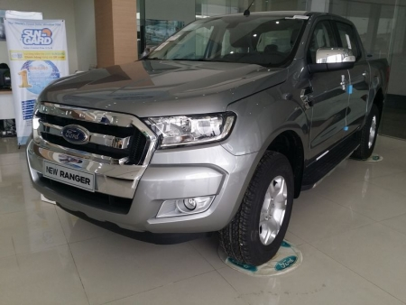 Ford Ranger XLT 2.2L 4×4 MT hoặc AT