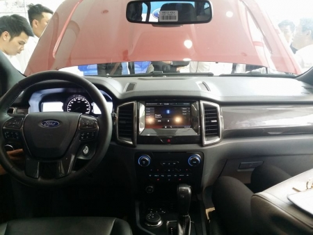 Ford Everest 3.2L 4×4 Titanium +