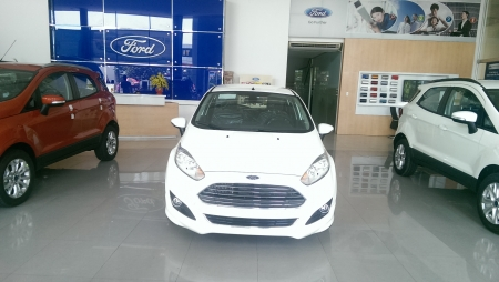 Ford Fiesta 5 Cửa 1.0 ECOBOOTS